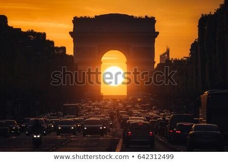 Arco do Triunfo madrugada famoso Paris carro cidade Foto stock © elxeneize