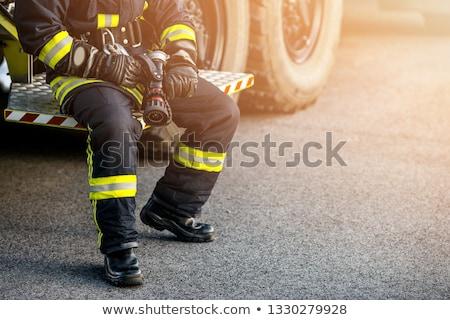 Człowiek stałego wildfire młodych wskazując Zdjęcia stock © RAStudio