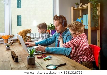 Gyerekek otthon gyermek pár születésnap gyertya Stock fotó © IS2