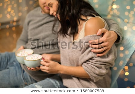 çift sıcak çikolata ev boş insanlar Stok fotoğraf © dolgachov