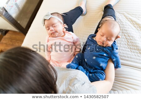 Ver bebê menino adormecido cama Foto stock © bmonteny