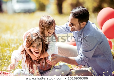 смеясь · семьи · отец · матери · пикника · пляж - Сток-фото © dashapetrenko