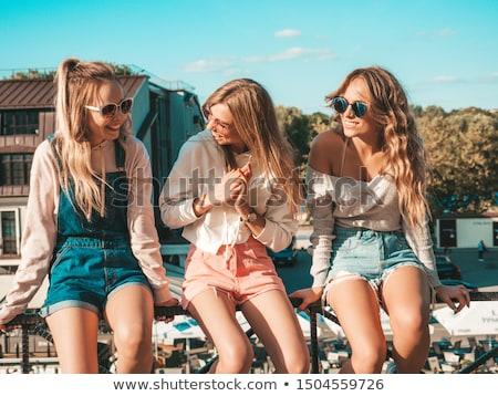 женщины · белый · джинсов · три · довольно - Сток-фото © dash