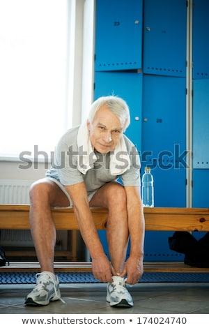 senior · man · gymnasium · fitness · bril - stockfoto © is2