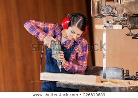 Foto stock: Jovem · feminino · carpinteiro · três · de · um · tipo · máquina · mulher
