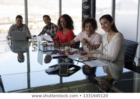 Oldalnézet boldog fiatal több nemzetiségű cégvezetők dolgozik Stock fotó © wavebreak_media