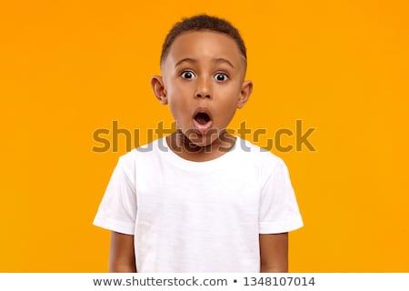 Verrassend jongen shot weinig asian luisteren Stockfoto © szefei