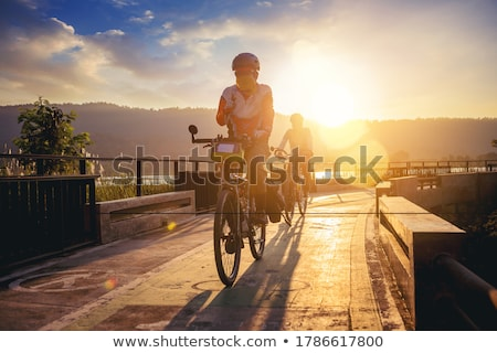 Motosiklet · kırmızı · beyaz · otopark · sokak - stok fotoğraf © prill