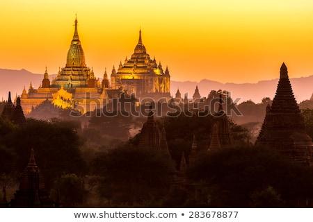 Pagoda anochecer Myanmar birmania amanecer globo Foto stock © smithore