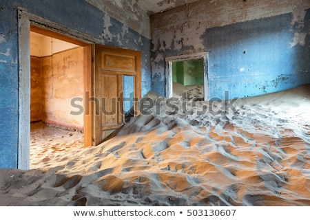 Szellemváros Namíbia sivatag ház fény ajtó Stock fotó © meinzahn