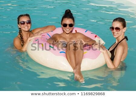 Stok fotoğraf: üç · mutlu · kadın · rahatlatıcı · oturma