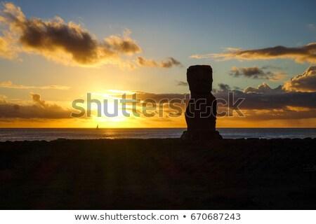 estatua · puesta · de · sol · Isla · de · Pascua · Chile · cielo · océano - foto stock © daboost