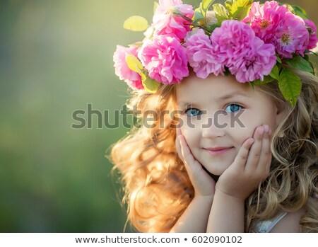 女の子 · 庭園 · 茶 · バラ · 赤ちゃん · 草 - ストックフォト © elenabatkova