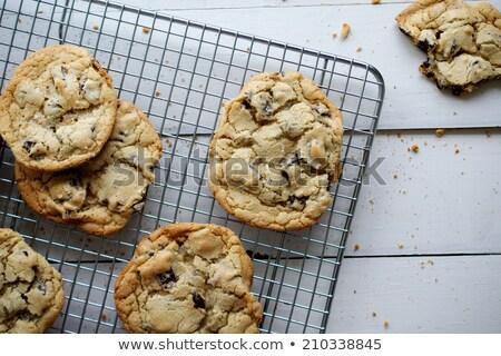 Vers gebakken chocolade cookies papier Stockfoto © dariazu