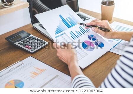 женщины бухгалтер финансовых графа данные калькулятор Сток-фото © Freedomz