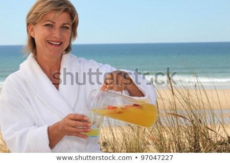 nő · önt · narancslé · kéz · üveg · narancs - stock fotó © photography33