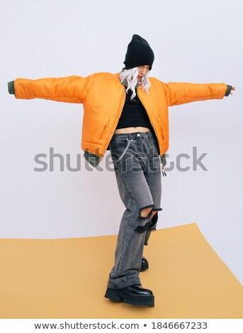 Stockfoto: Rapper · blond · meisje · luisteren · muziek · rap
