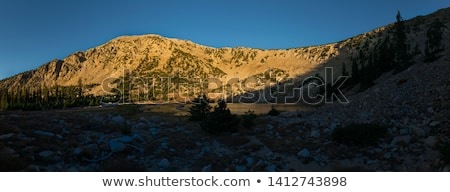 Lac eau arbres montagne bleu parc Photo stock © ndjohnston