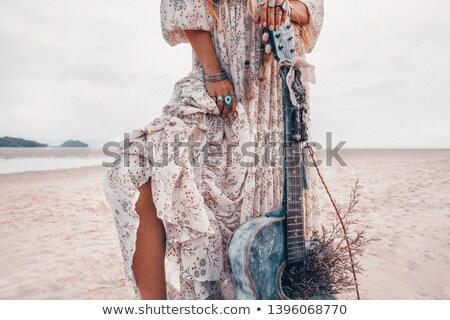 piernas · guitarra · estudio · música · fondo · hombres - foto stock © elisanth