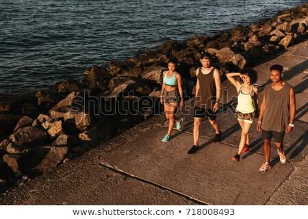 先頭 表示 4 フィットネス 人 徒歩 ストックフォト © deandrobot