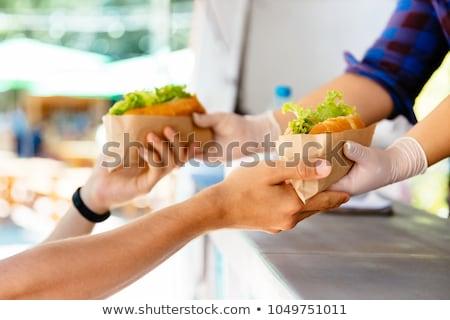 mulher · mãos · hambúrguer · fast-food - foto stock © dolgachov