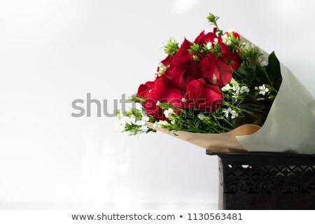 赤 白 バラ 花瓶 美しい 花束 ストックフォト © StephanieFrey