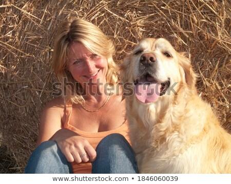Mulher relaxante feno fardo natureza diversão Foto stock © IS2