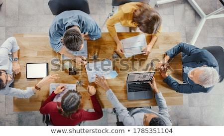 Foto stock: Gerente · escritório · relatórios · estatística · jovem