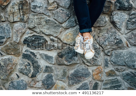 Nogi mur młodych moda Zdjęcia stock © ruslanshramko