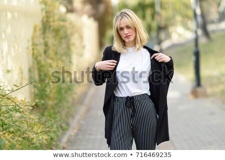 女性 着用 黒 ブレザー 実例 白 ストックフォト © bluering