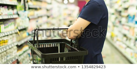kadın · satın · alma · ürünleri · eczane · tıbbi - stok fotoğraf © kzenon