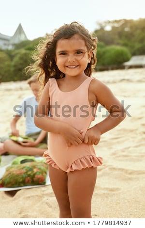 küçük · kız · plaj · el · çocuk · deniz · güzellik - stok fotoğraf © goce
