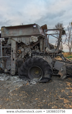 破壊された 火災 外に フィールド フロント 表示 ストックフォト © Digifoodstock