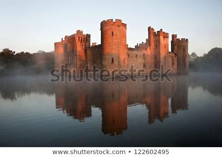 Középkori kastély reggel napfény biztonságos erődítmény Stock fotó © ensiferrum