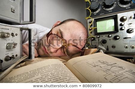 Agotado científico dormir laboratorio muestra análisis de sangre Foto stock © grafvision