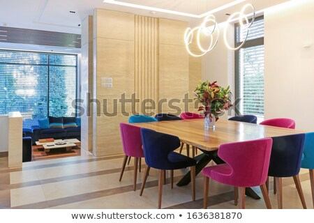 grande · quarto · mesa · de · jantar · meio · imagem · confortável - foto stock © jrstock