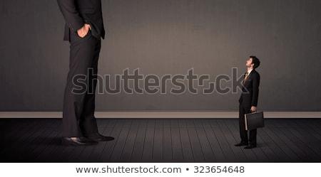 Pequeño gigante jefe piernas hombre fondo Foto stock © ra2studio
