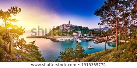Oraş port vedere dimineaţă stralucire insulă Imagine de stoc © xbrchx