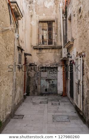 beco · sicília · Itália · pequeno · rua · céu - foto stock © ankarb