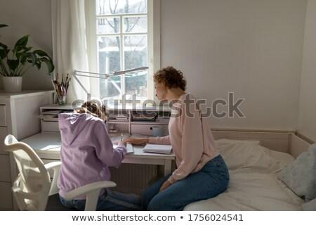 pai · ajuda · filha · lição · de · casa · menina · livro - foto stock © pressmaster