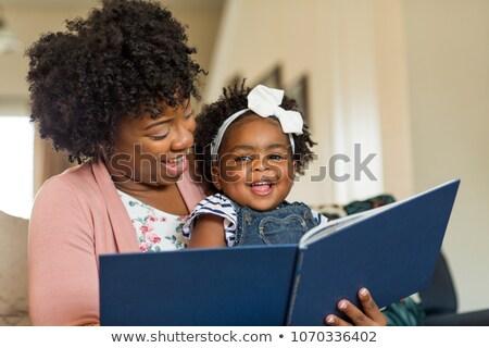 Mutlu anne sevimli kız okuma Stok fotoğraf © wavebreak_media