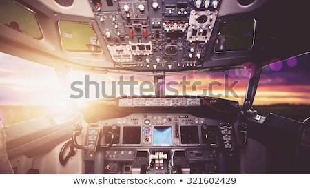 Cabine do piloto avião vidro azul viajar Foto stock © deyangeorgiev
