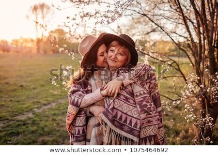 Portret dorosły córka całując matka rodziny Zdjęcia stock © monkey_business