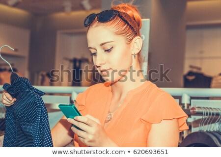wygląd · przypadkowy · pretty · woman · ręce · młodych - zdjęcia stock © stockyimages