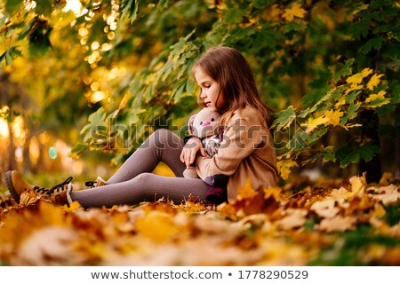 расстраивать · мальчика · сидят · парка · стороны · голову - Сток-фото © zurijeta