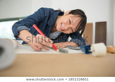 vrouwelijke · behang · huis · glimlach · werk - stockfoto © photography33