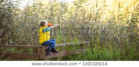 Lac clôture barbelés eau soleil nature Photo stock © taden