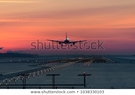 аэропорту сумерки посадка фары ВПП свет Сток-фото © franky242