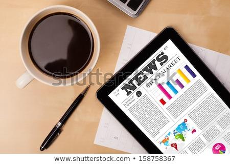 táblagép · asztal · rendkívüli · hírek · iroda · hírek · háló - stock fotó © zerbor