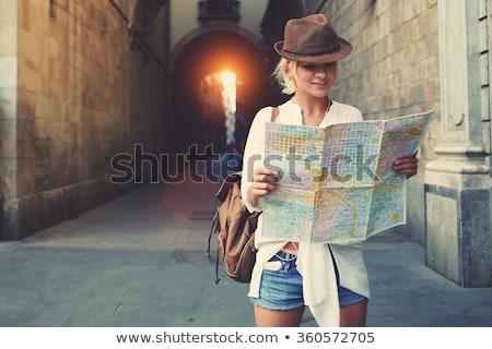 Turista nő keres irányítás helyszín térkép Stock fotó © dashapetrenko
